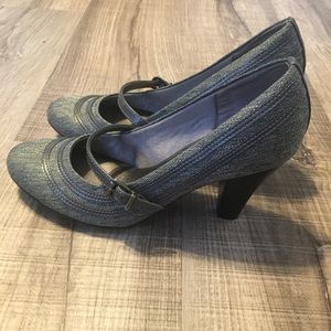 Life stride pump heels shoes. Size 8M